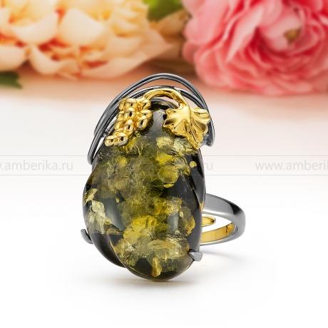 Кольцо из серебра с зеленым балтийским янтарем