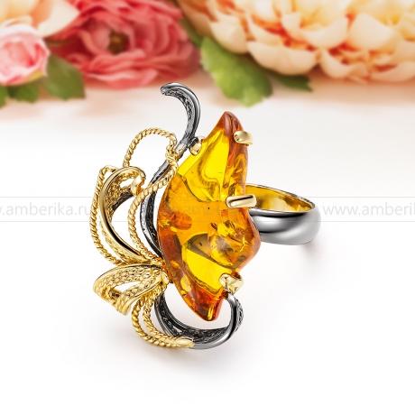 Кольцо из серебра с золотистым балтийским янтарем