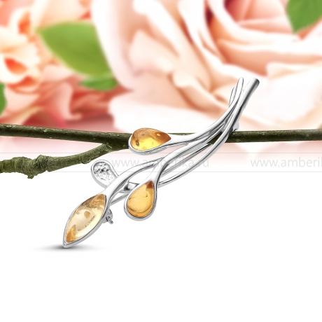 Брошь из серебра 925 пробы с природным янтарем