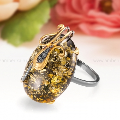 Кольцо из серебра 925 пробы с природным балтийским янтарем