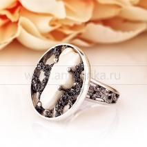 "Кольцо ""Модерн"" из серебра с белым балтийским янтарем"