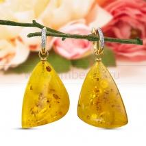 Серьги из золота с бриллиантами с природным балтийским янтарем