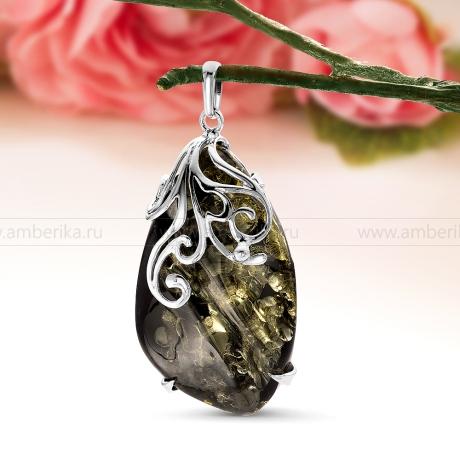 Кулон из серебра с балтийским янтарем