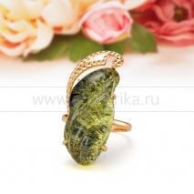 Кольцо из золота 585 пробы с зеленым балтийским янтарем