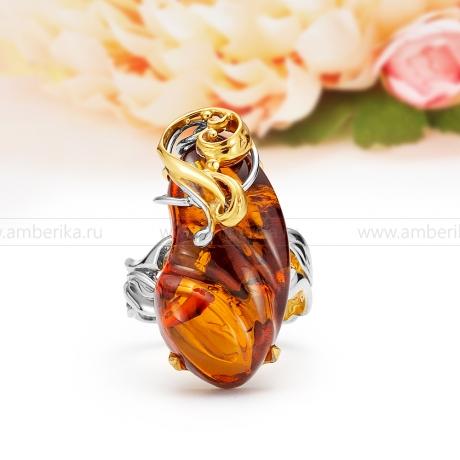 Кольцо из серебра с коньячным балтийским янтарем