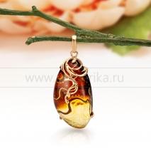 """Кулон """"Вираж"""" из золота 585 пробы, украшенный природным балтийским янтарем."""