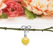 "Кулон ""Бантик"" из серебра, украшенный лимонным балтийским янтарем"