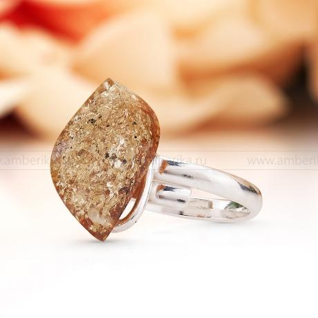 Кольцо посеребренное, украшенное балтийским янтарем