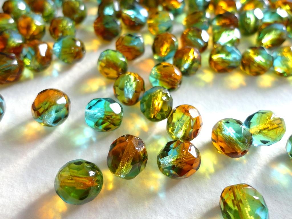 Зеленый янтарь и его свойства